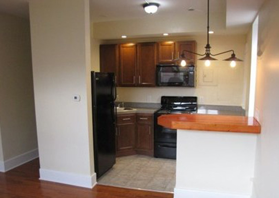 400 Elmwood Kitchen(2)
